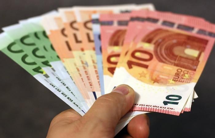 Voyance argent 2017 par chat avec un médium pur